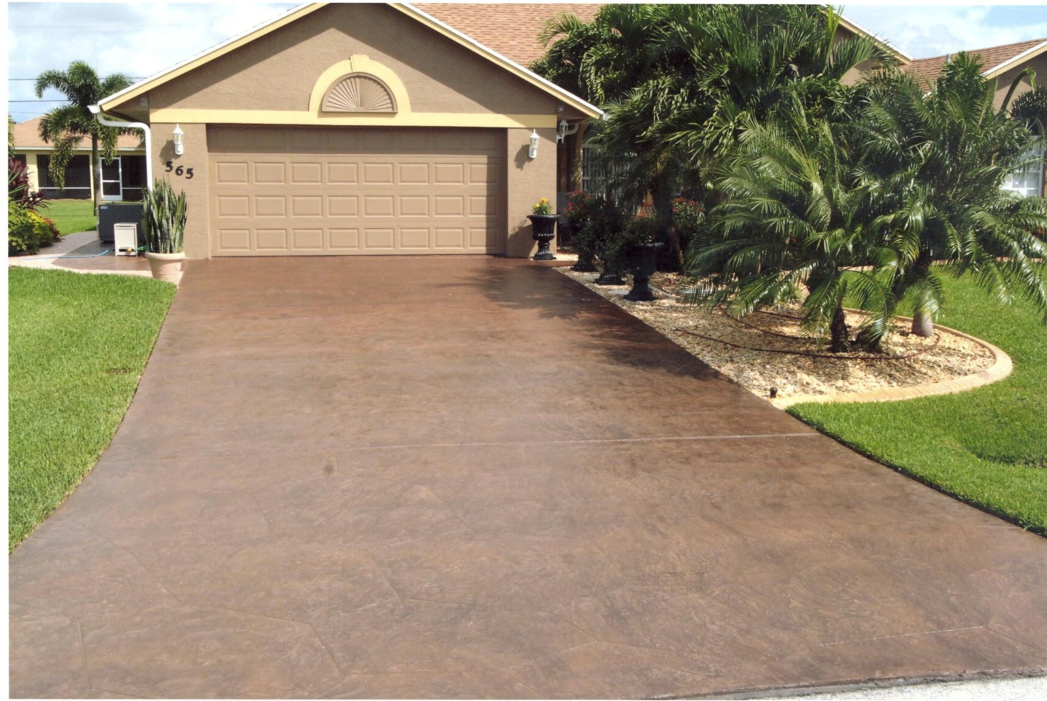 F211cde732df239620f2fa454dbba00c Jpg 2 159 1 445 Pixels Stained Concrete Driveway Concrete Driveways Outdoor Concrete Stain