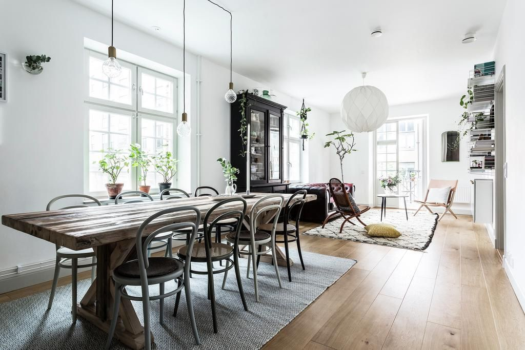 Vintage style in bright scandinavian apartment