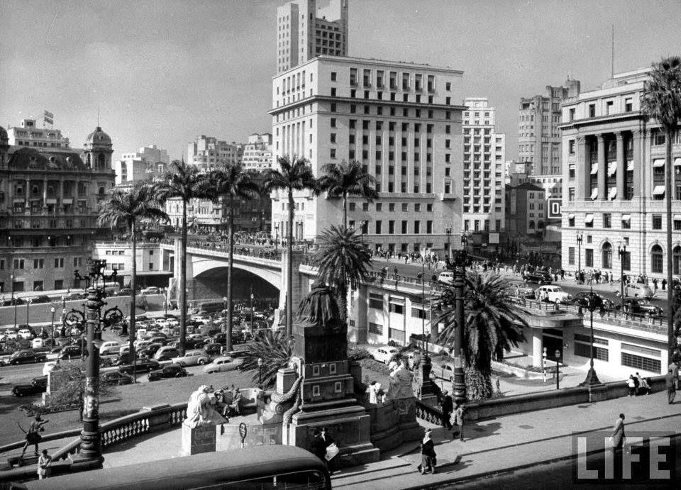 Foto panorâmica do centro da cidade de São Paulo, foto Revista Life.