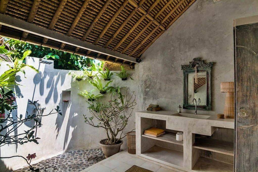 view of bathroom d co salle de bain pinterest salle salle de bain et salle de bains loft. Black Bedroom Furniture Sets. Home Design Ideas