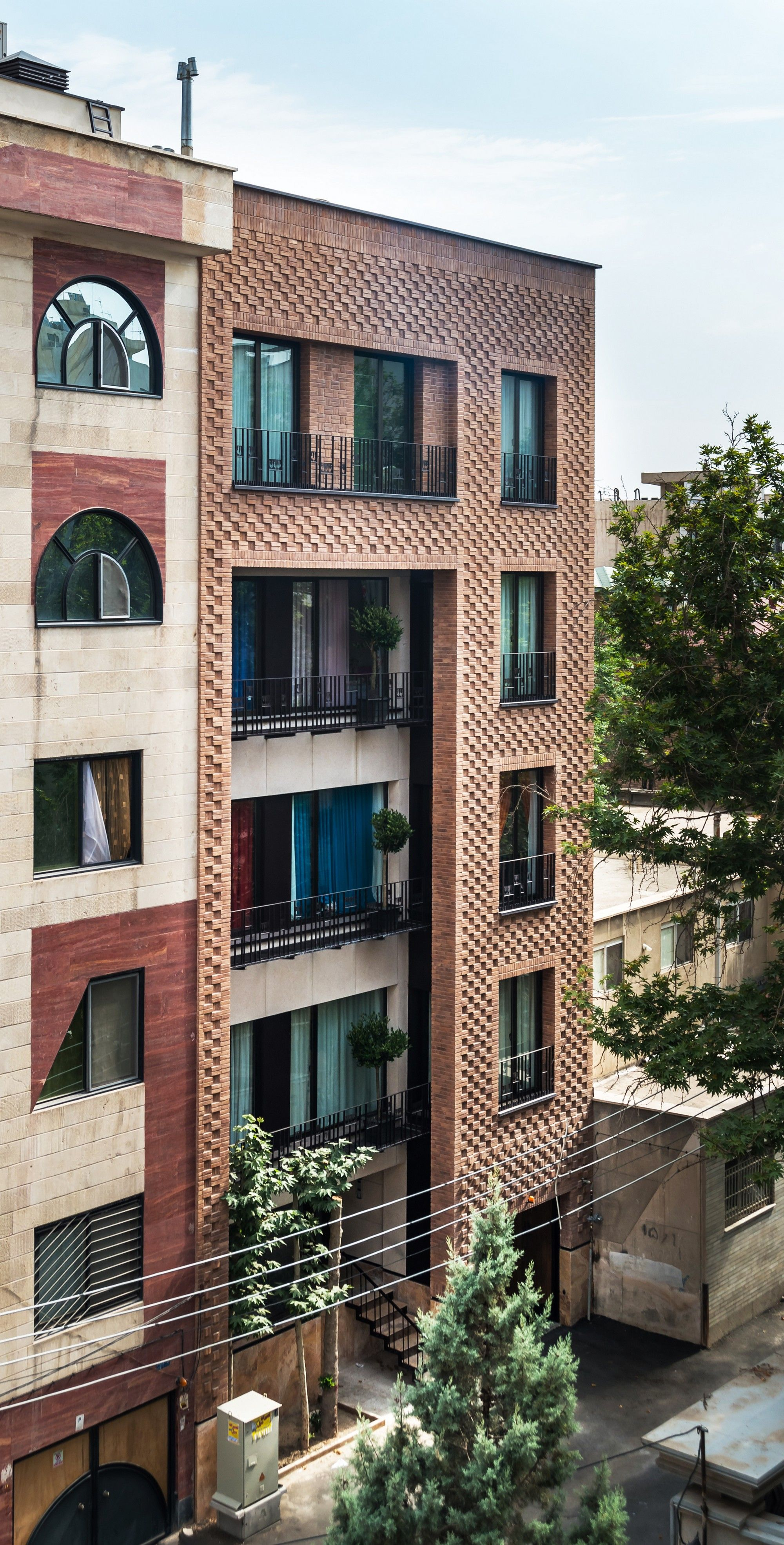 Boozhgan Architecture Studio - Project - Haghighi Residential Building