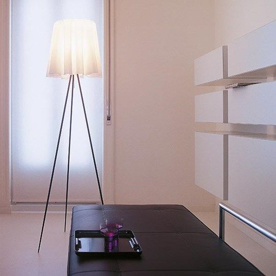 Rosy angelis: Discover the Flos standard lamp model Rosy angelis