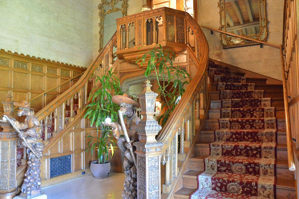 Playboy Mansion Staircase Mansions Staircase Stairs