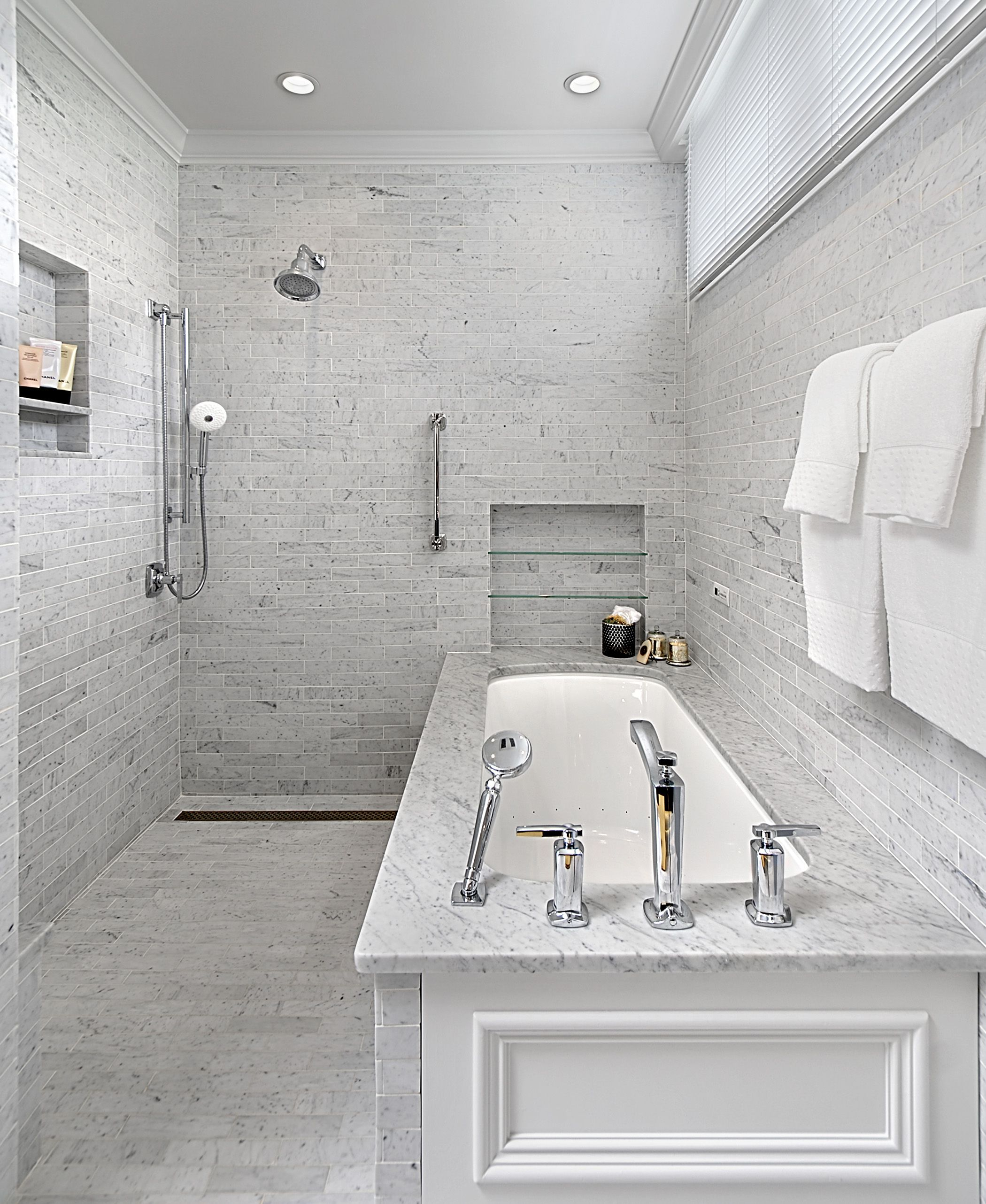 Modern Wet Room Design With Carrara Marble Walls And Radiant Heat Floors Designed By Benvenuti And Stein Wet Room Bathroom Wet Rooms Master Bathroom Shower