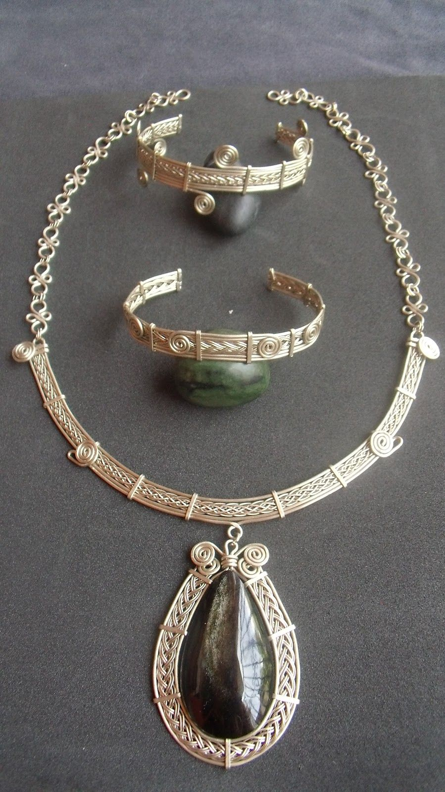 Pin by Wendy Slattery on Wire wrapped jewelry   Pinterest   Wire ...