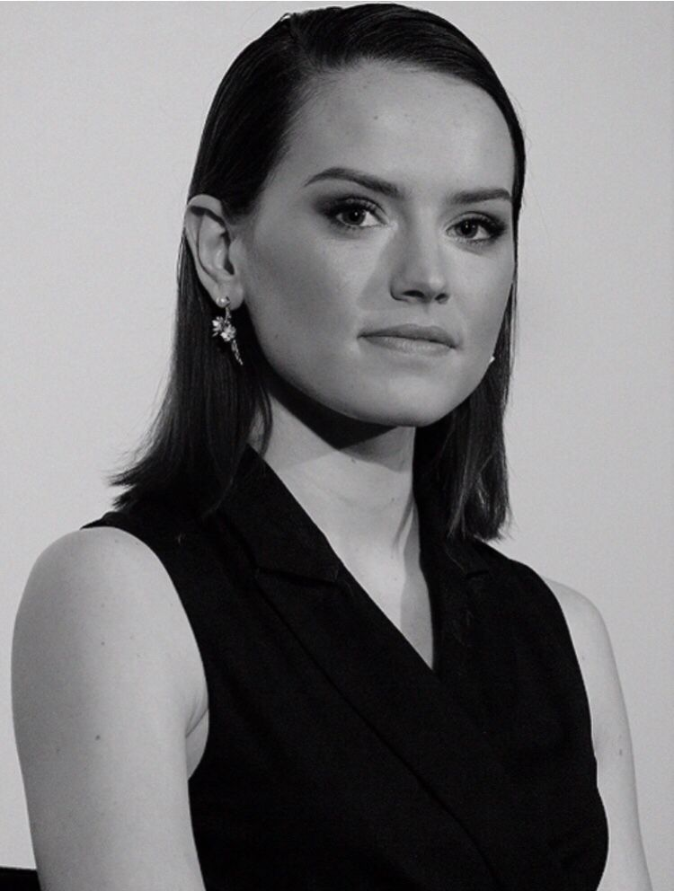 Pin By Robi Jobbagy On Ridley Daisy Ridley Daisy Ridley Star Wars Celebrities