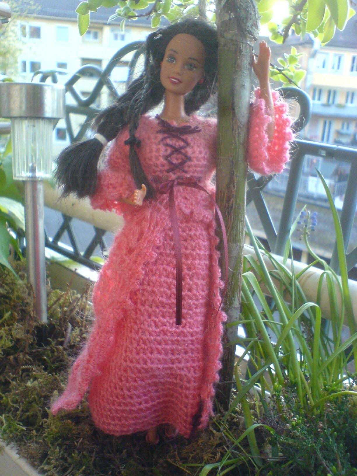 Friend off Barbie/Freundin von Barbie, alles in hell Beere ...