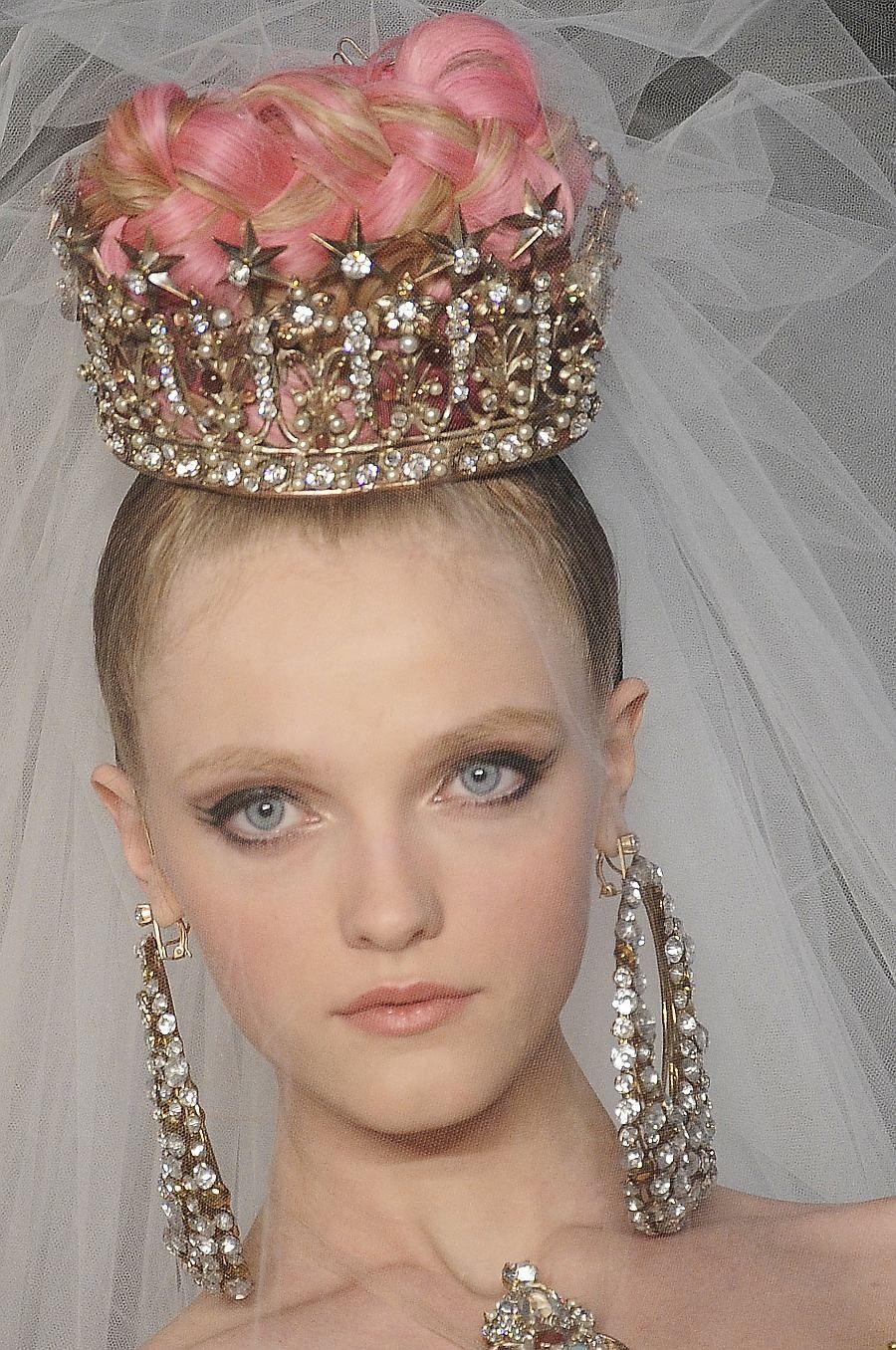 skaodi:  Vlada Roslyakova atChristian Lacroix Haute Couture Spring 2009.