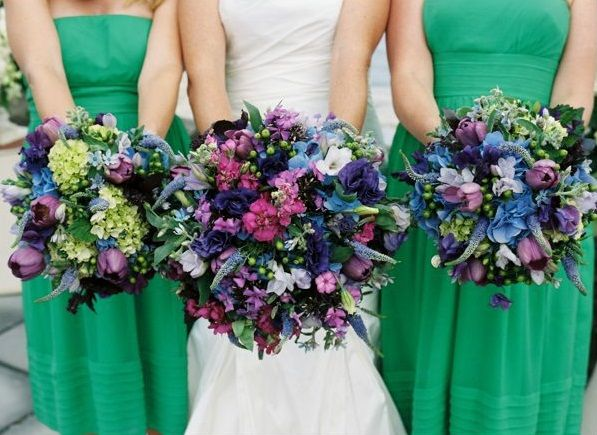 Emerald Green Dresses And Flowers With Purple These Bouquets