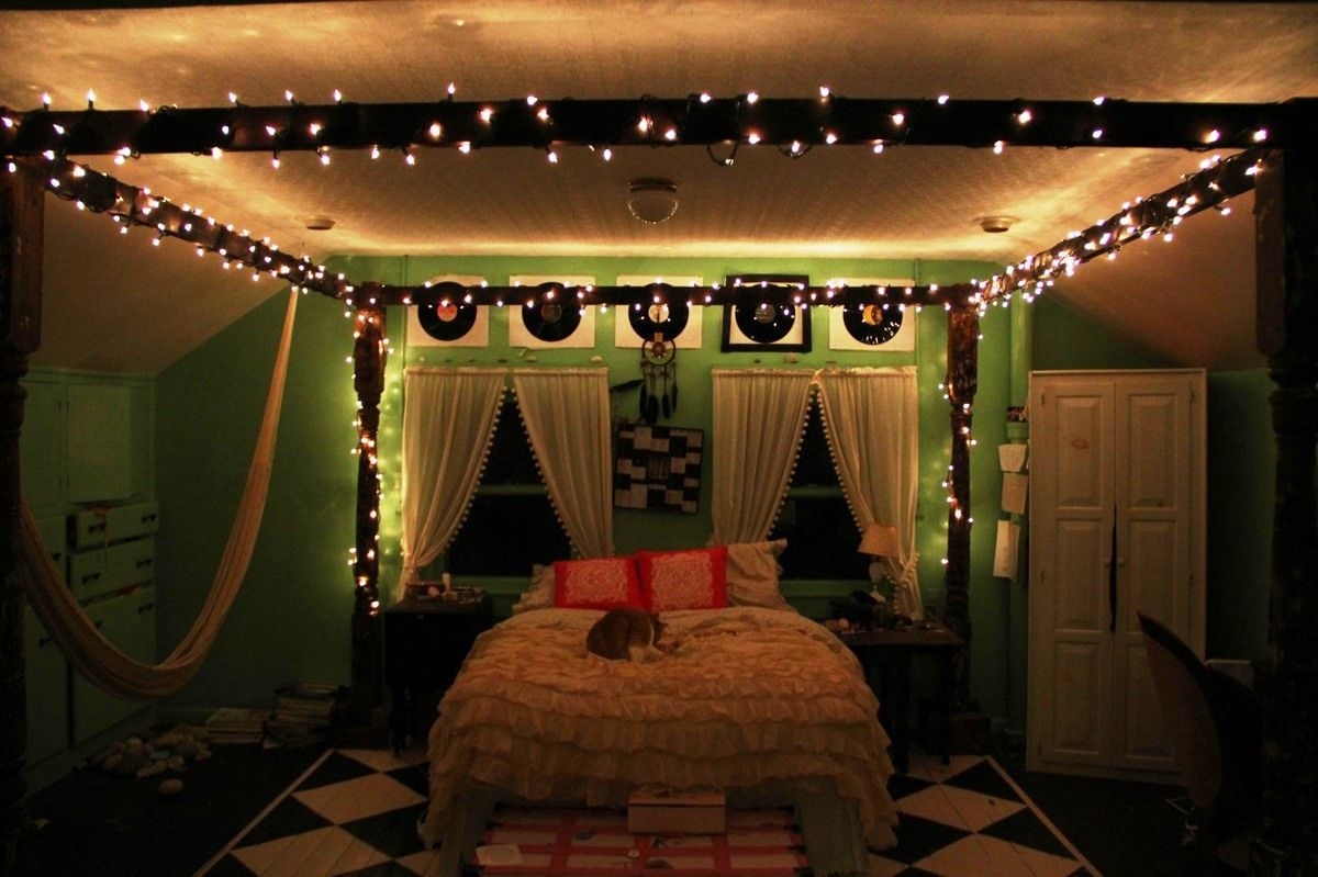 bedroom ideas for decorating your room christmas isgifcom - Ideas For Decorating Your Bedroom