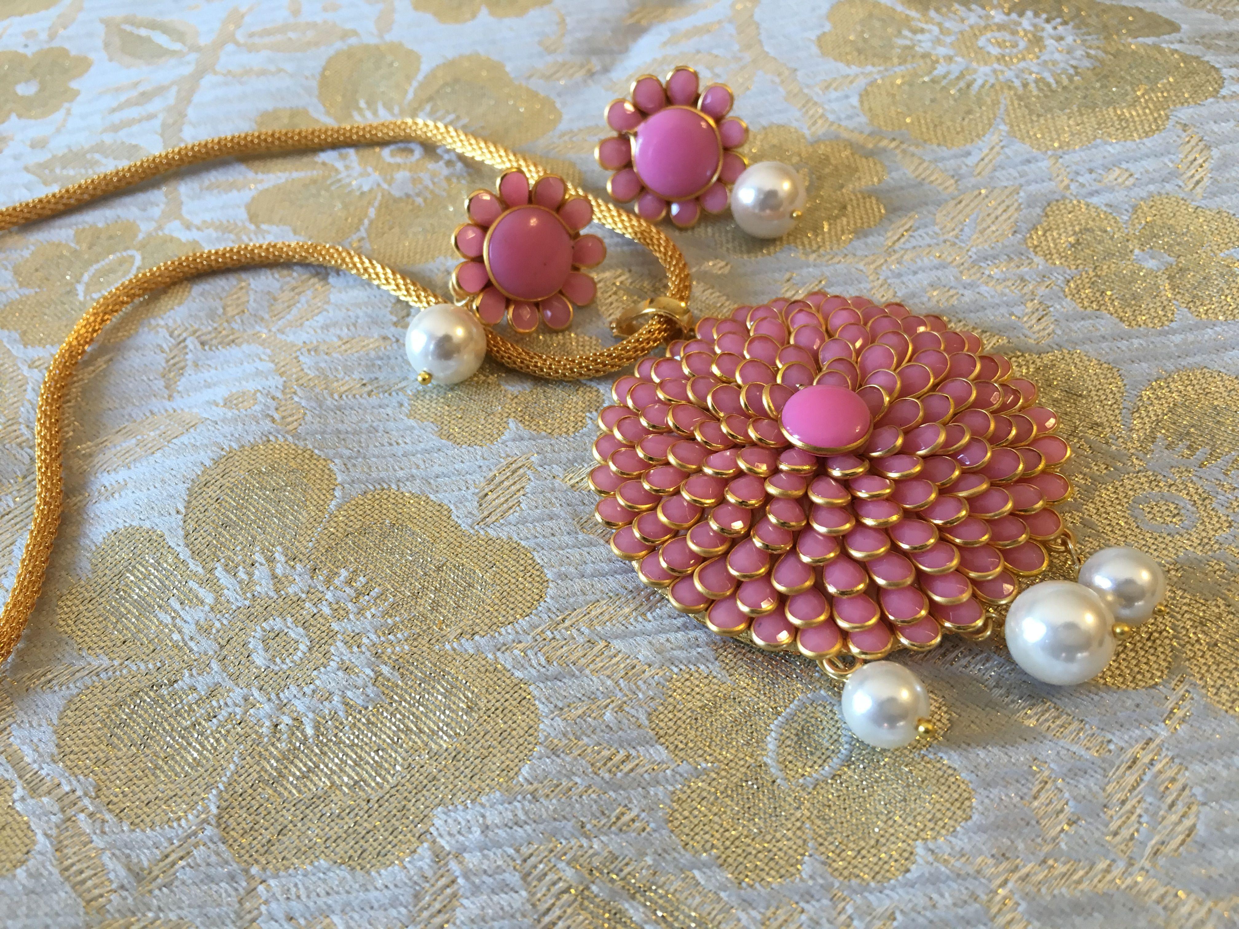 Pink pendant set qiyaara jewelery pinterest pink pendants and