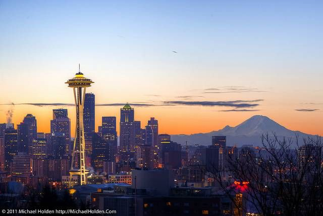 Seattle Skyline: The Space Needle and Mt. Rainer, a 14,410 ...