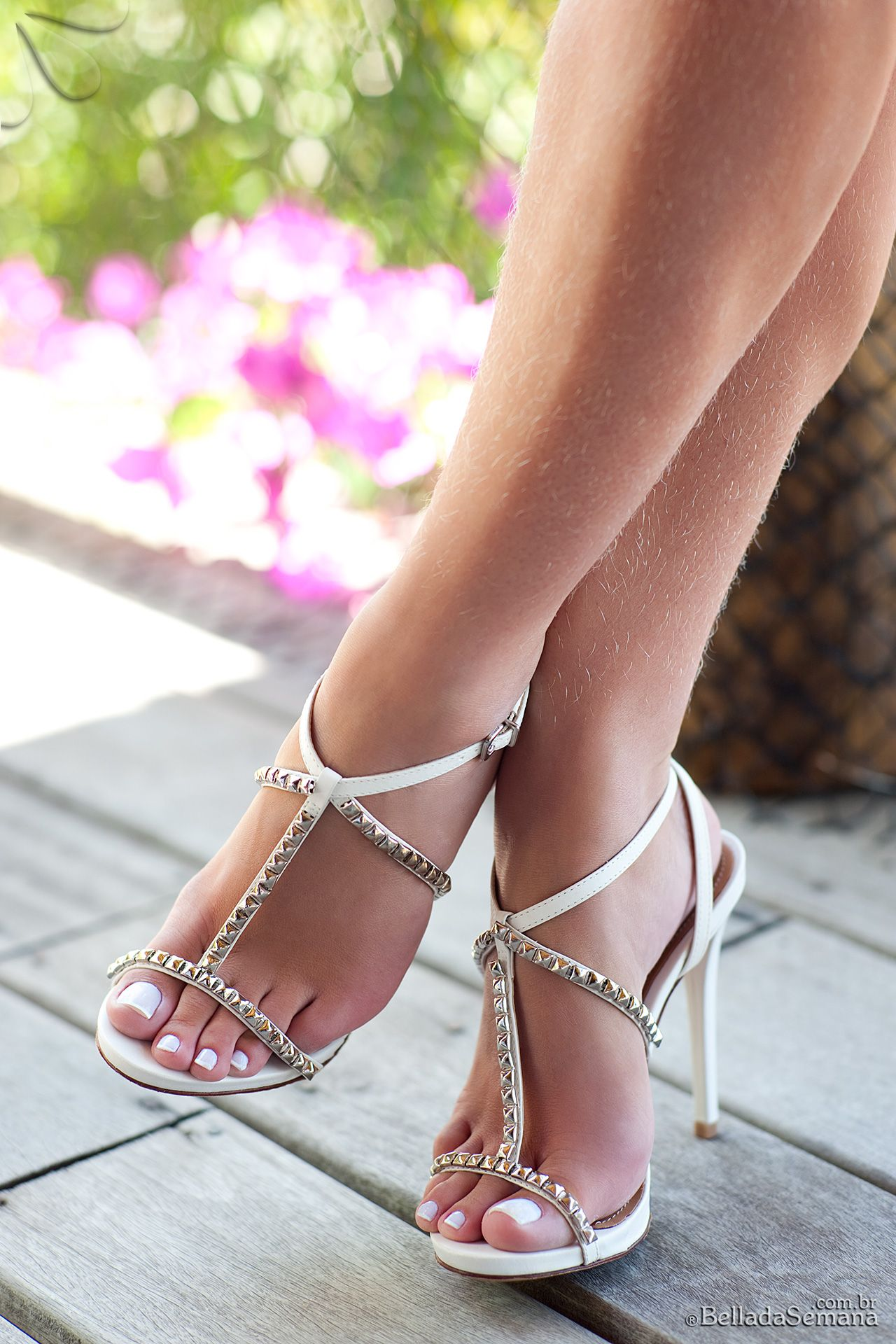 Toes Turn White In Shoes