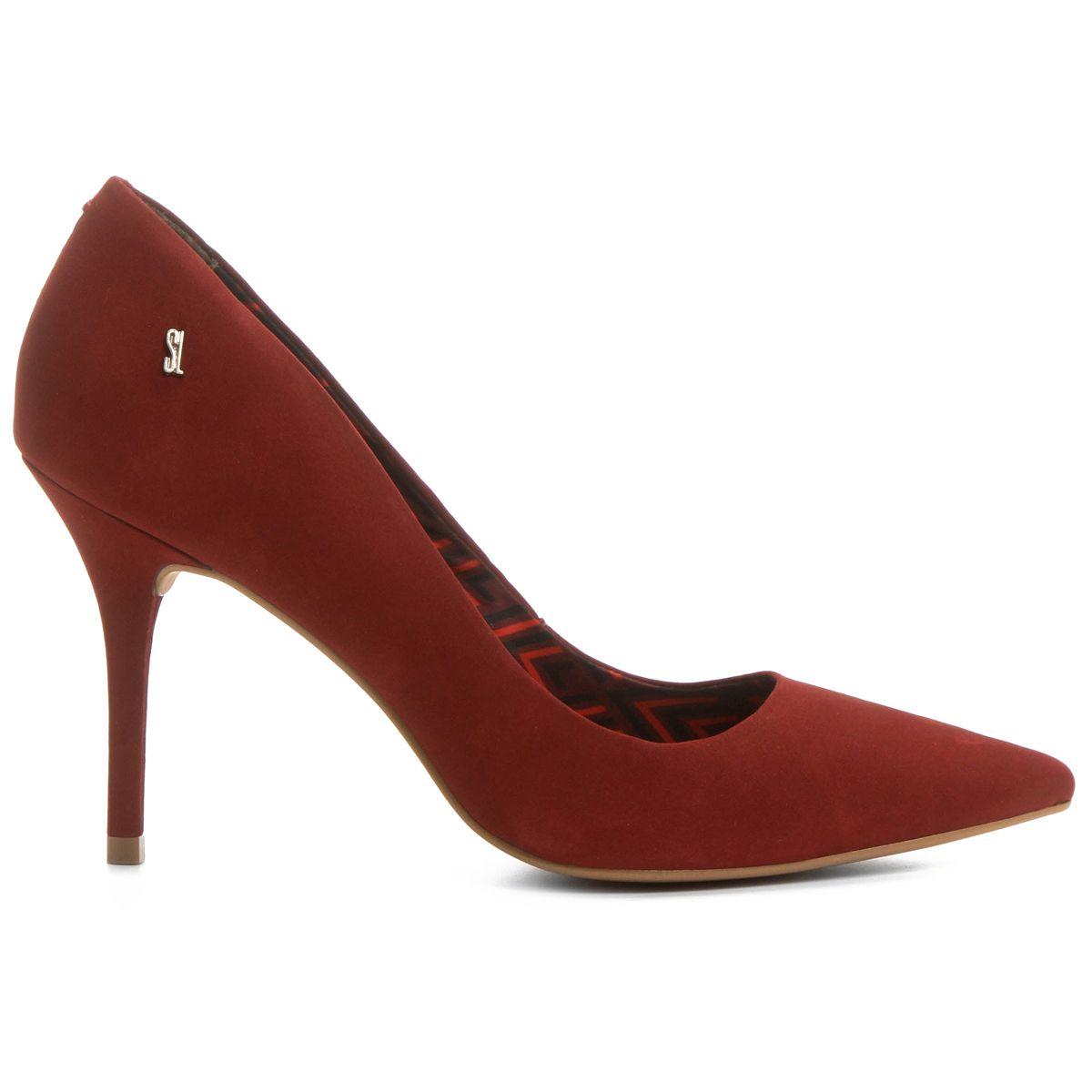 af04c5c948a44 Scarpin Santa Lolla Bico Fino Vinho | Zattini | Style | Shoes, Heels ...