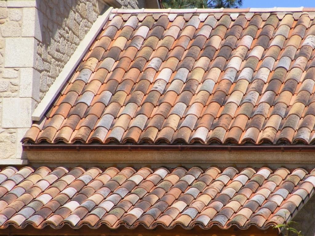 Centenaria ground roof tile mediterranean style for Mediterranean roof styles