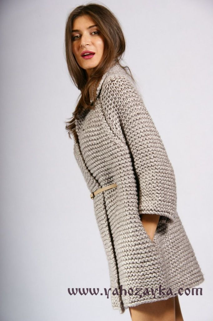 стильное пальто спицами крупным узором модное вязаное пальто
