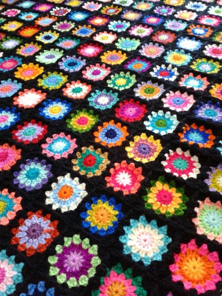 Granny crocheted afghan | GRANNY SQUARES | Pinterest | Gehäkelte ...