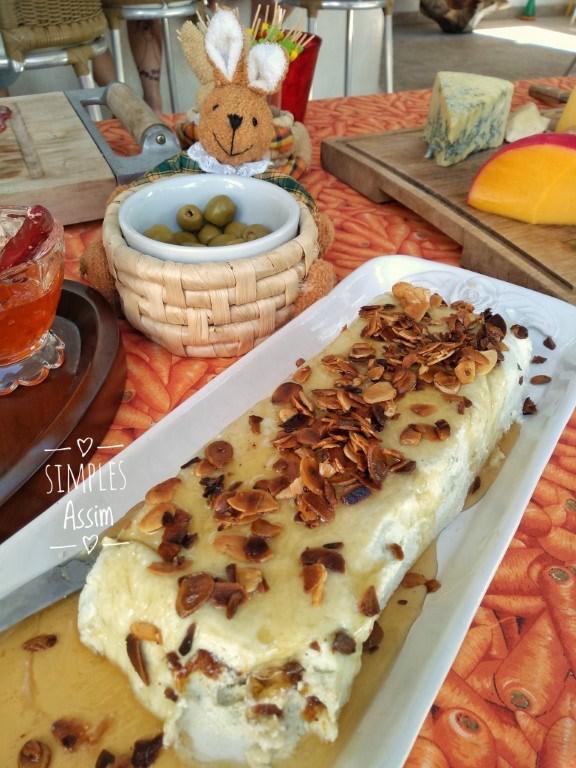 Terrine de queijo com mel e amêndoas – Requintada e saborosa