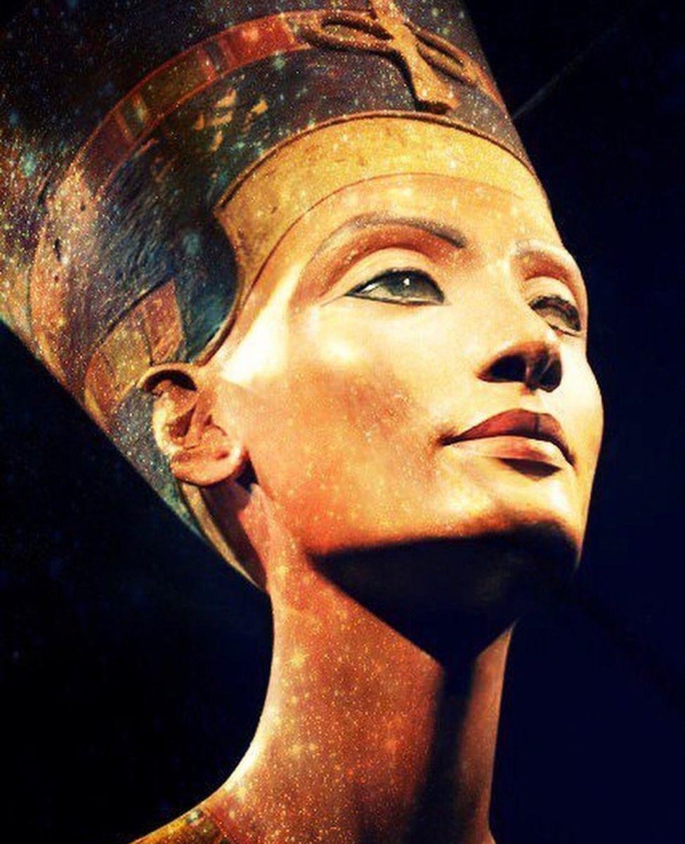 Pin Von Amenfashion Auf Agypten In 2020 Antike Agyptische Kunst Agyptische Kunst Agyptisches Museum Berlin