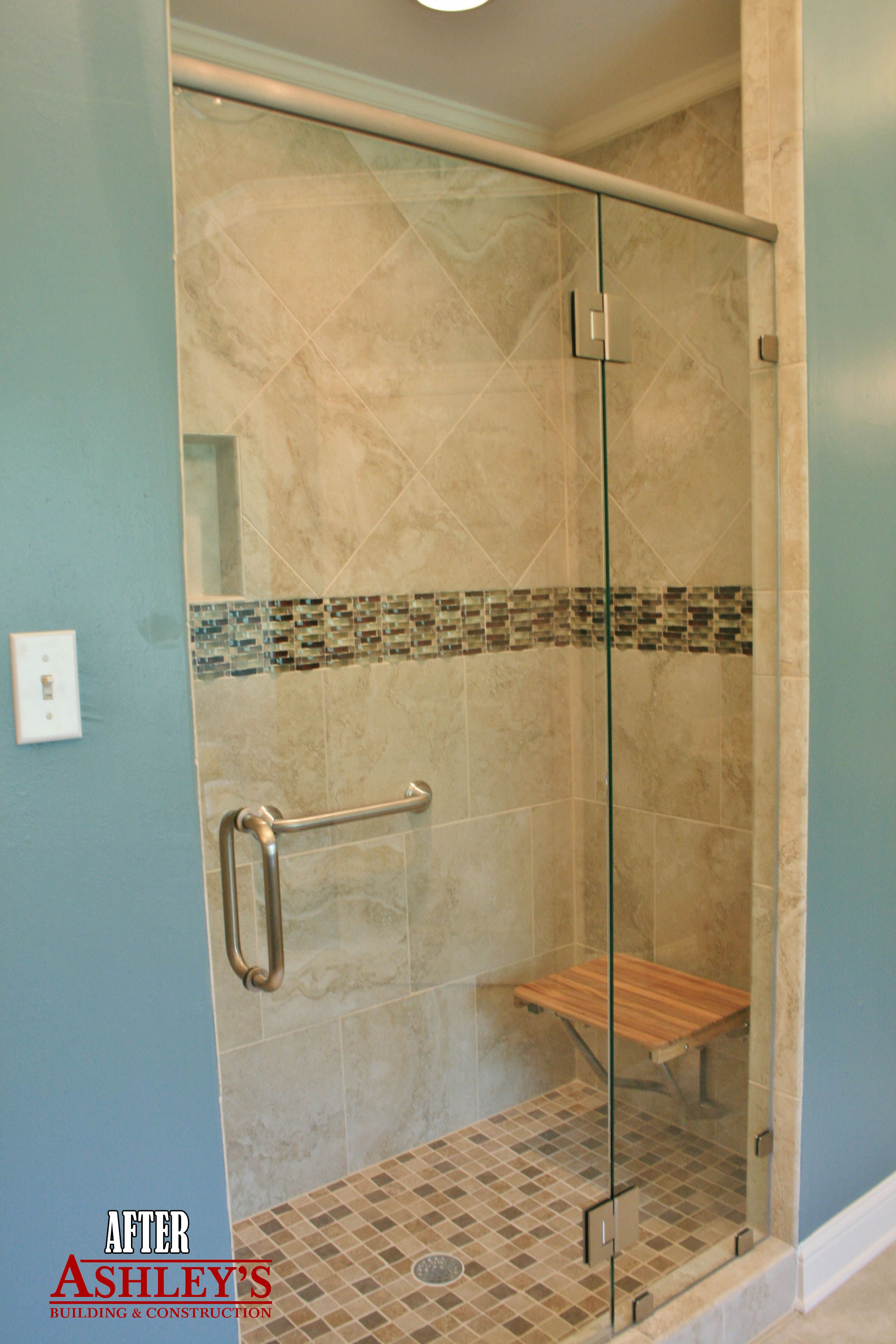 Travertino Royal Ivory tile and deco tile jazz up this once