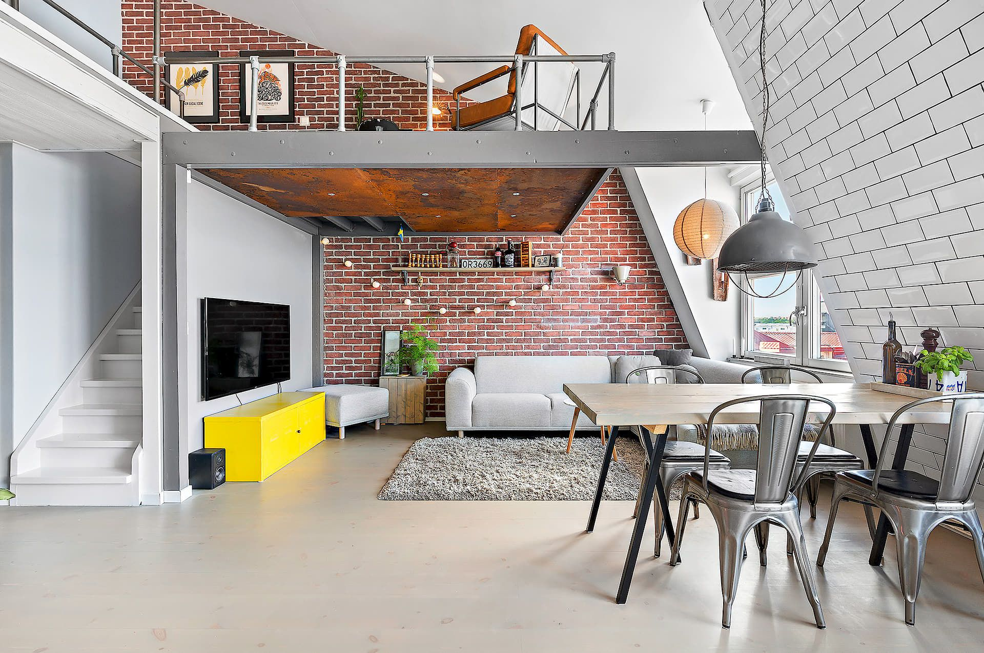 Mezzanine | Déco maison | Pinterest | Mezzanine, Lofts and Small spaces