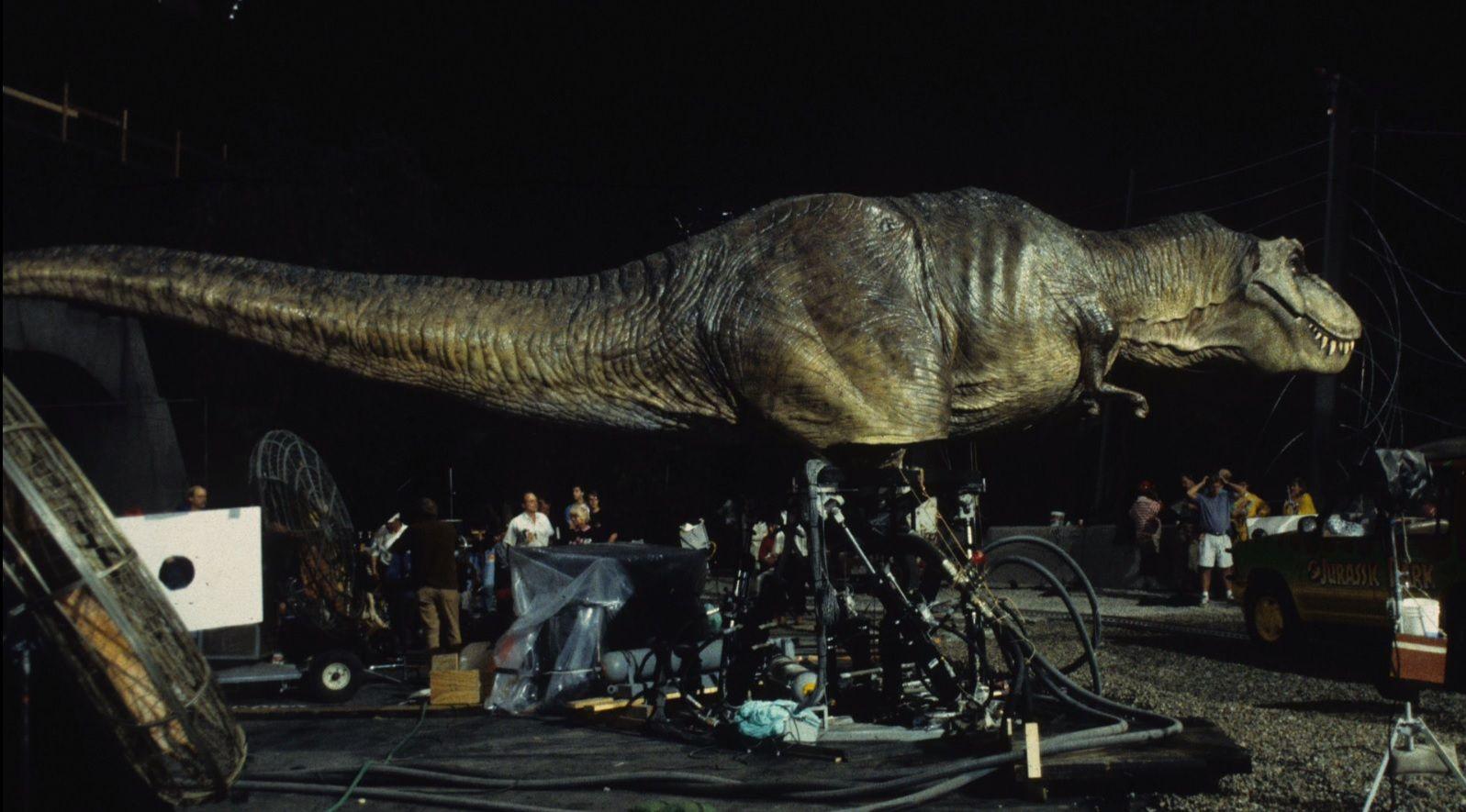 T Rex On The Set Of Jurassic Park Jurassic Park Film Jurassic Park Jurassic Park World