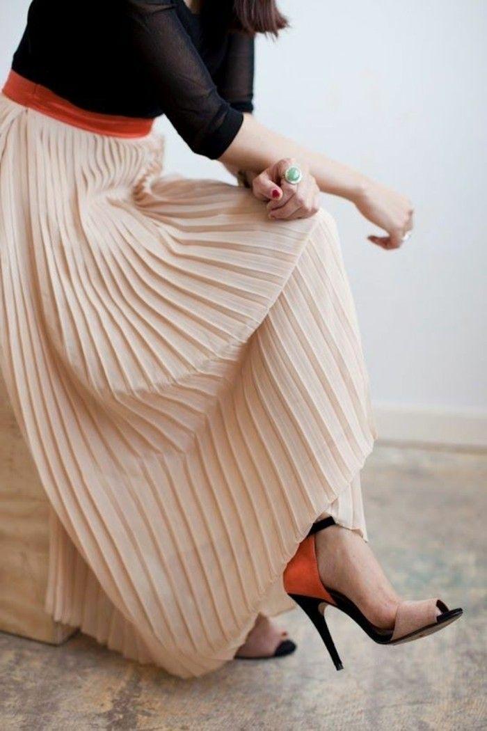 11cb1e4ea5fc2f Comment porter la jupe longue plissée? 80 idées! | jupe plisser ...