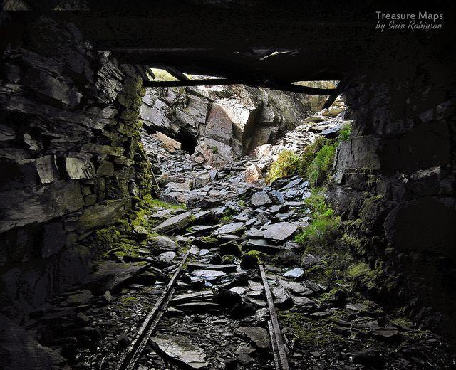10 Abandoned Underground & Elevated Railways You May Not