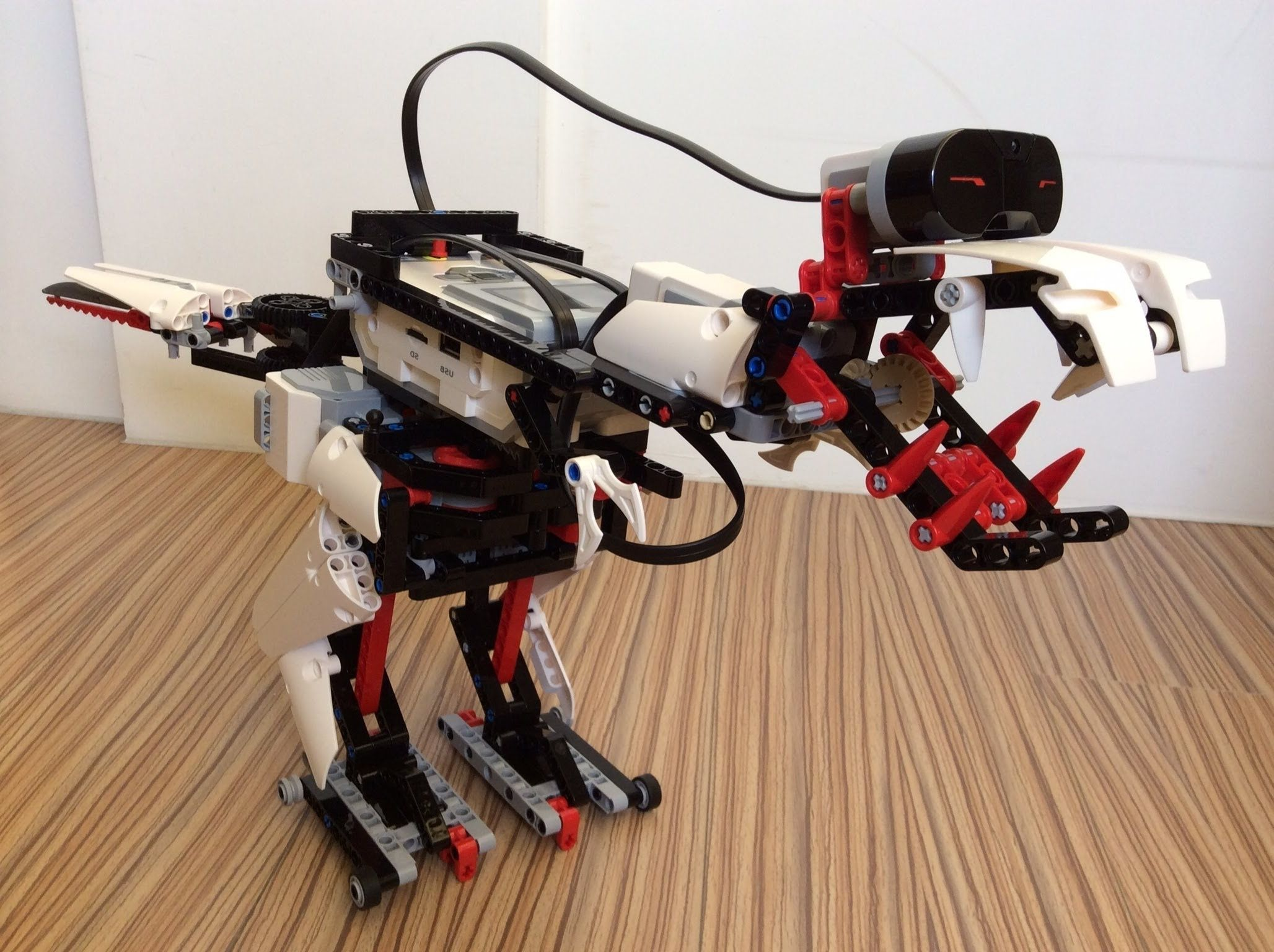 A Tyrannosaurus Rex Robot Building With Lego Mindstorms Ev3 Youtube