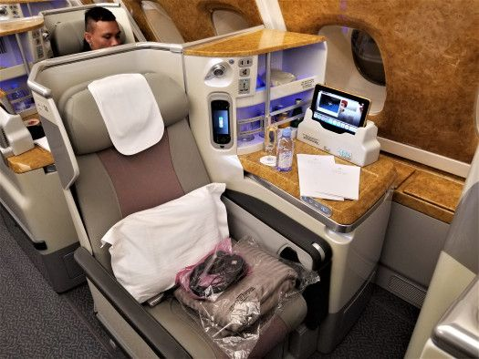 Business Class Seat on Emirates AIrline Airbu A380-800 ...