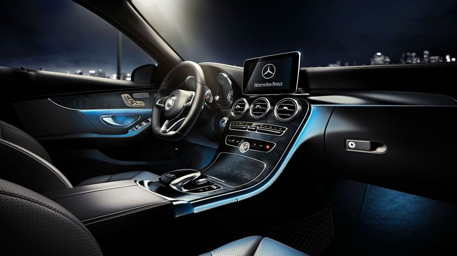 4MATIC Sedan with Black leather and Openpore Black Ash