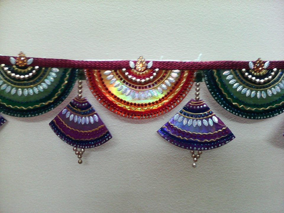 Toran made from waste cds diwali decorations simple for Waste cd craft ideas