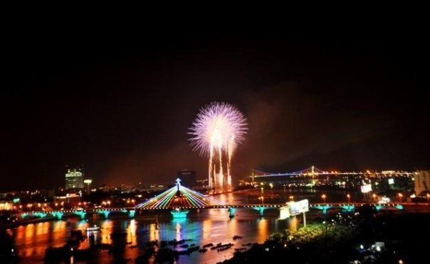 The vibrant, exciting and beautiful night life of Da Nang ...