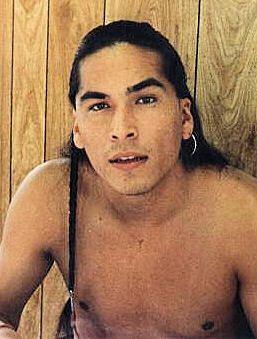 Eric Schweig Inuit Actor Native American Actors Eric Schweig Native American Men Když mu bylo 6, měsíců byl dán k adopci do německé rodiny a tak získal jméno schweig. eric schweig inuit actor native
