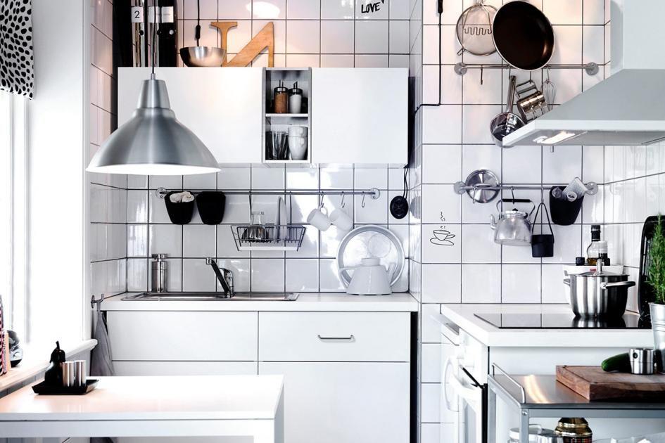Wohntipps für kleine Räume: Kleine Küche mit Kombüsen-Charme ...