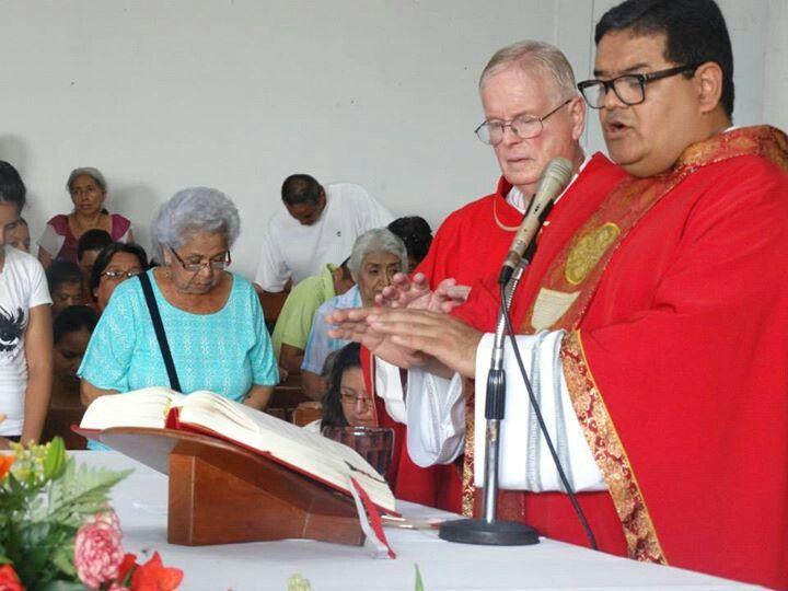 El ultimo párroco y actual párroco de nuestra Parroquia y el Primero.