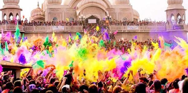 Festival De Los Colores De Holi En La India Festival De Holi En La India Holi Festival De Primavera Importancia Festival De Colores álbumes De Música Fotos