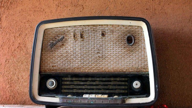 Vintage Radio Station Hd Wallpaper Wallpaperfx Vintage Radio Radio Station Radio