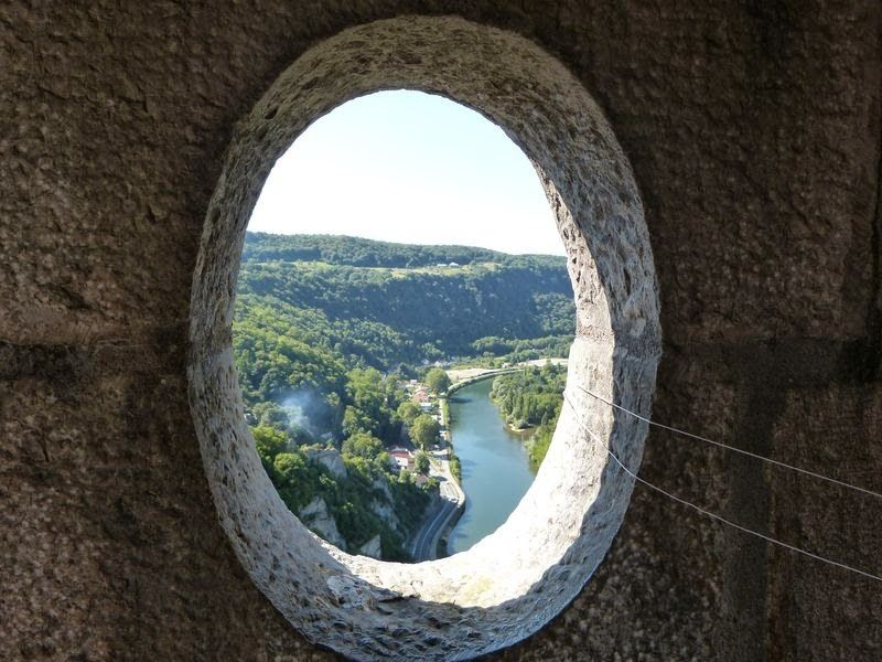 Le  Doubs à Besançon by evelyneboureille - Photo 89007731 - 500px