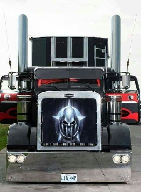 Picture Of Big Rig Headlights : Love those headlights in the bumper very customized and