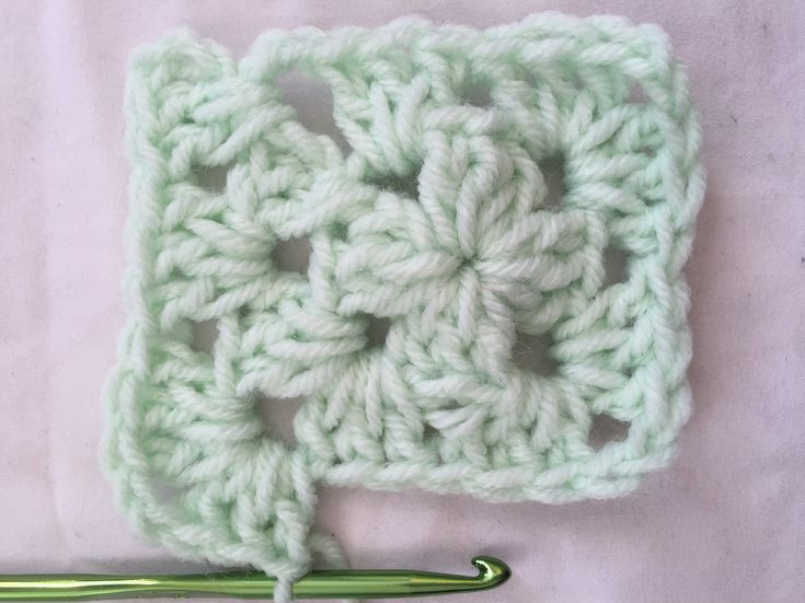 Learn How to Crochet a Classic Granny Square | I wanna make this ...