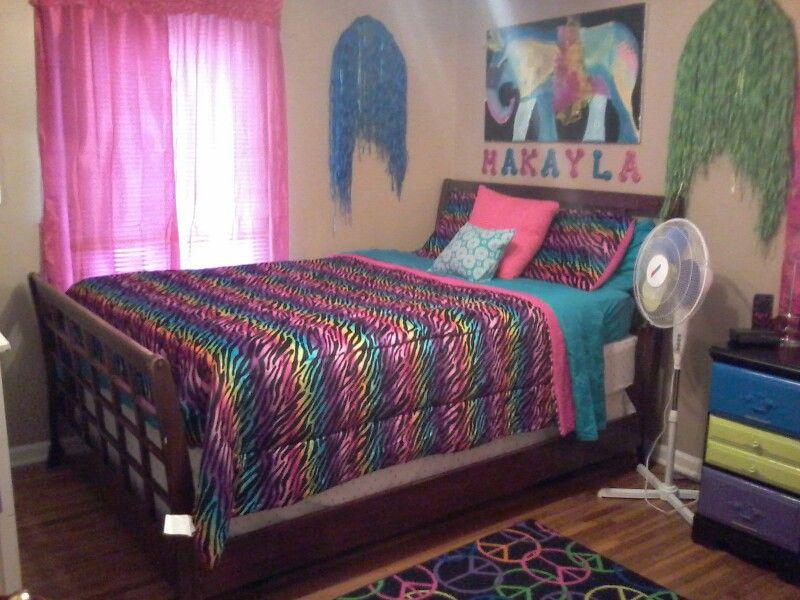 Rainbow zebra room.   beding in 2019   Room, Room decor ...