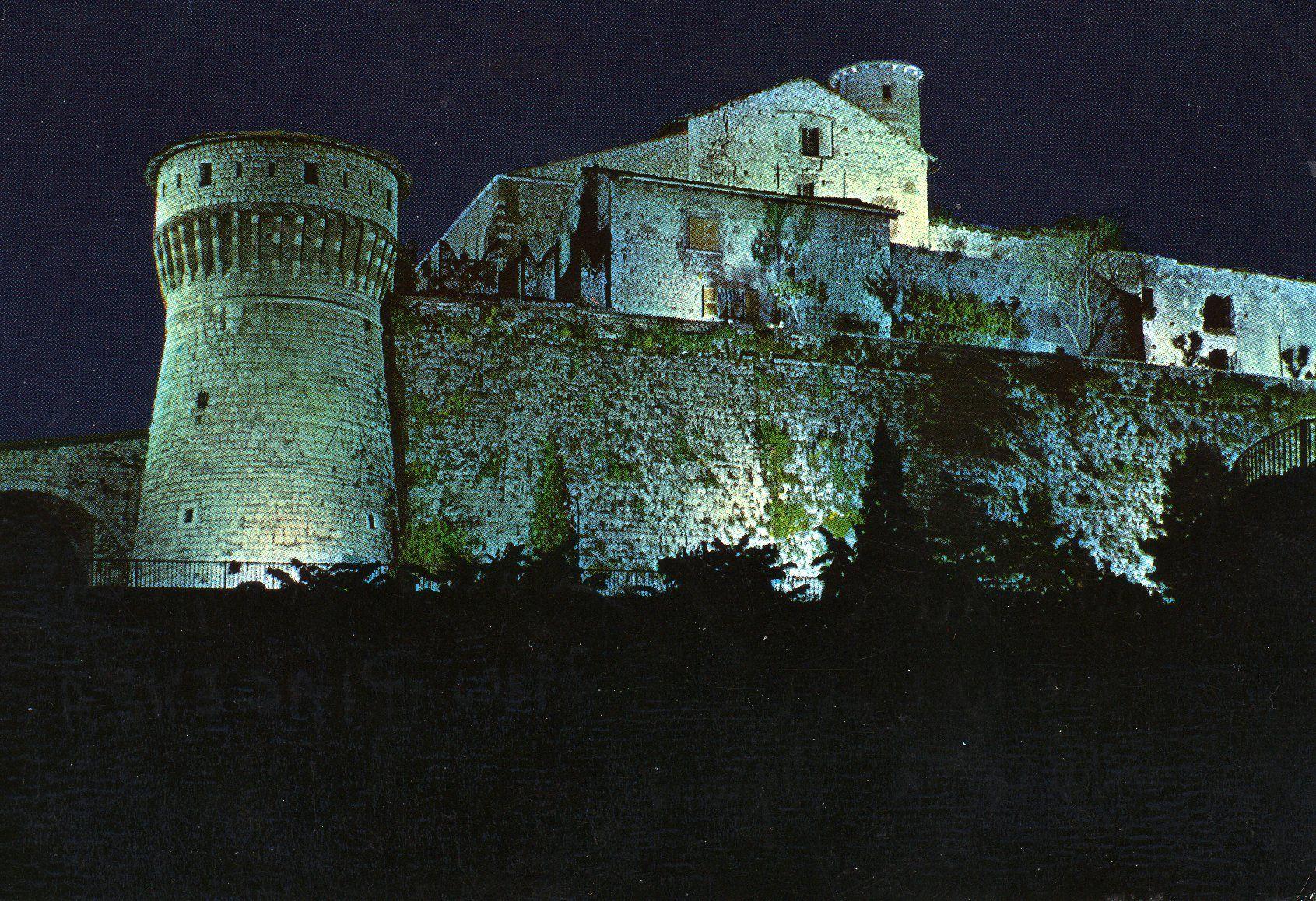 Il Castello illuminato - 1970 http://www.bresciavintage.it/brescia-antica/cartoline/castello-illuminato-1970-2/