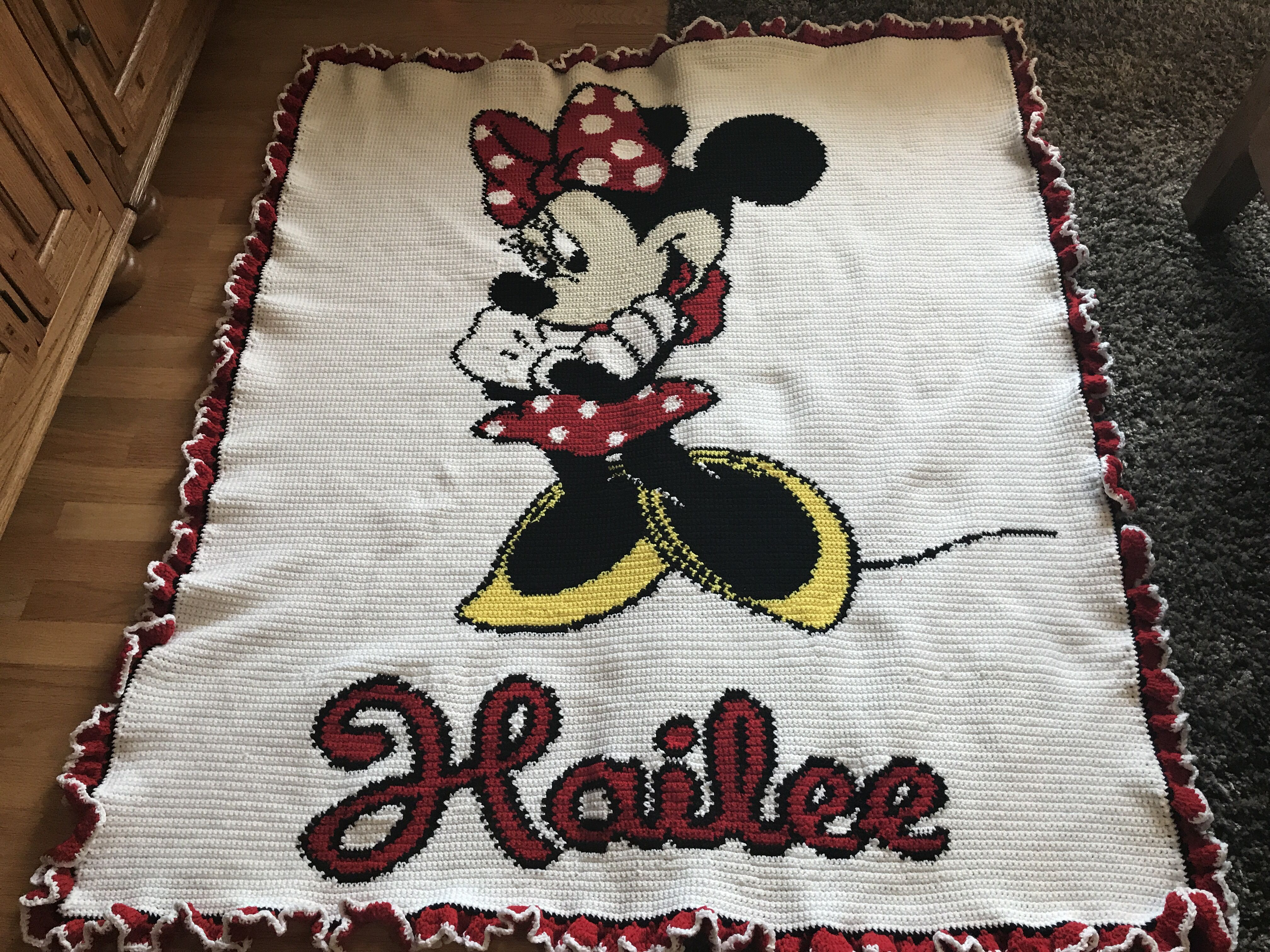 Minnie Mouse afghan for Hailee | Afghans | Pinterest | Afghans and Mice