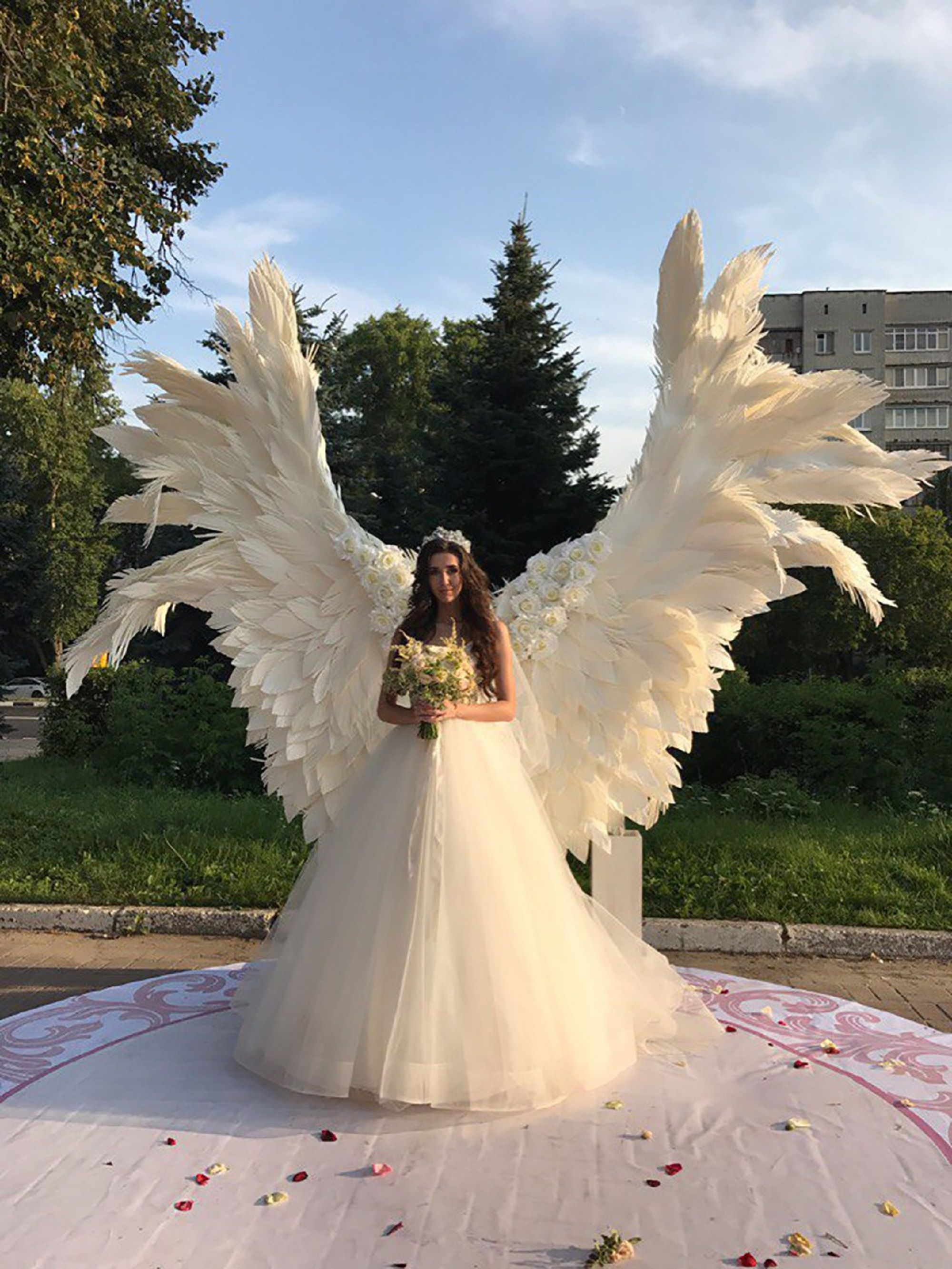 Giant Angel Wings White Background At The Wedding Ceremony Etsy In 2020 Wedding Angels Outdoor Wedding Decorations Wedding Backdrop