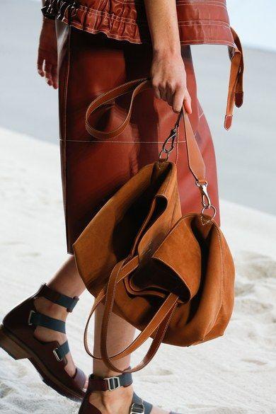 Photo of Hermès Spring 2019 Ready-to-Wear Fashion Show