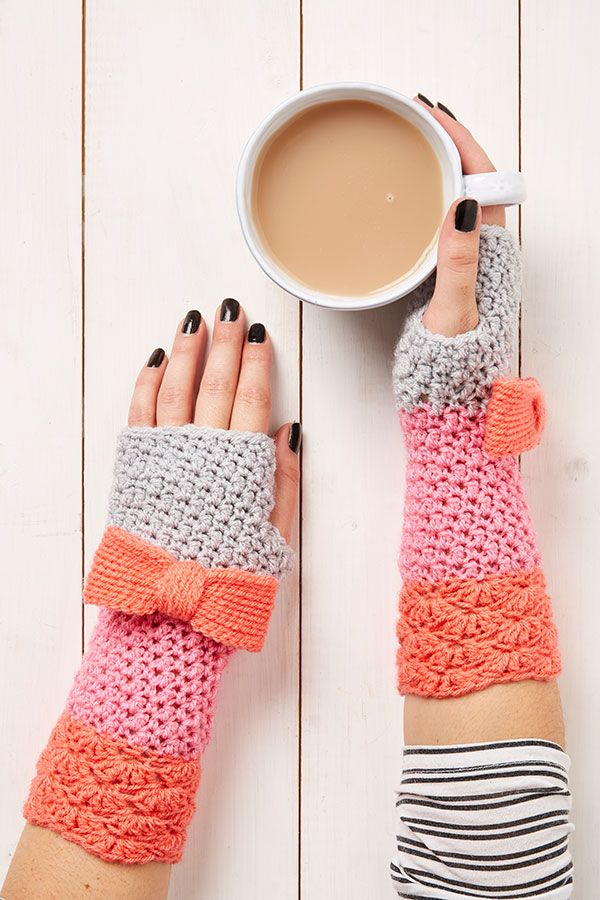 Wrist Warmers Crochet Pattern Free Crochet Wrist Warmers And Crochet