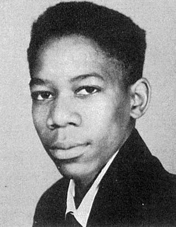 41 Celebrity Yearbook Photos from Before ... - instyle.com