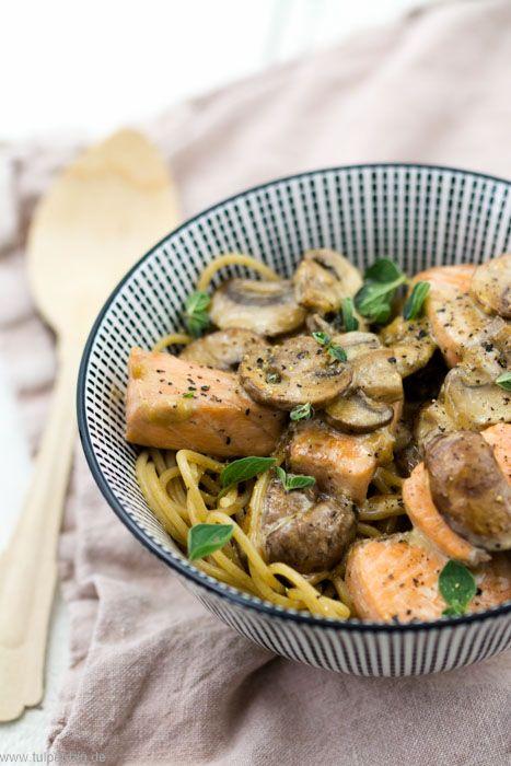 Photo of Spaghetti with salmon, mushrooms and cream – tulip day. Food blog.