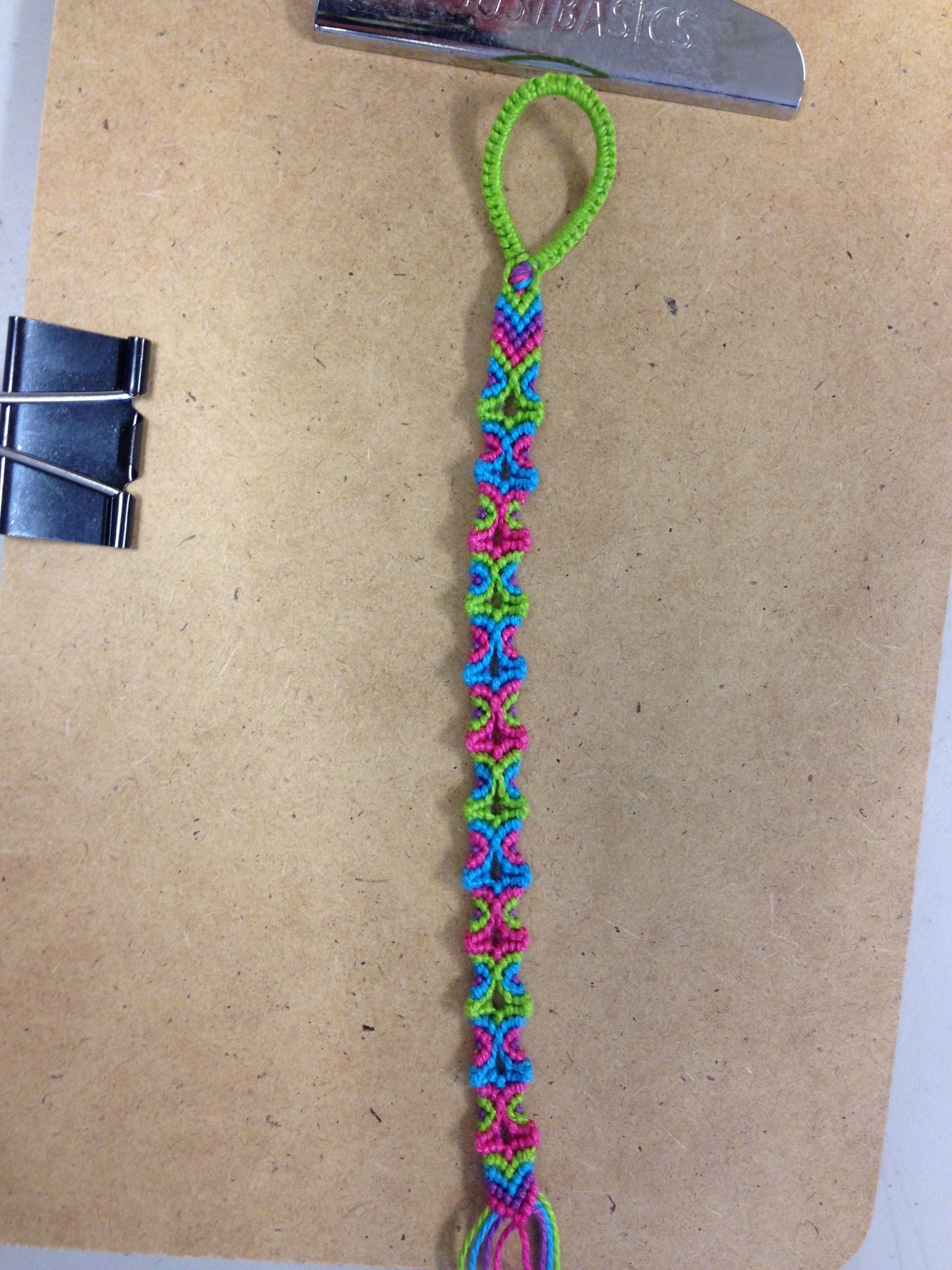 Totem Pole Friendship Bracelet Pattern!